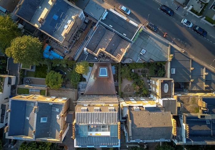 House in a Garden3235Edmund SumnerWEBIMAGE1jpg